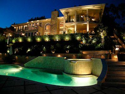 iluminación de jardines y piscinas
